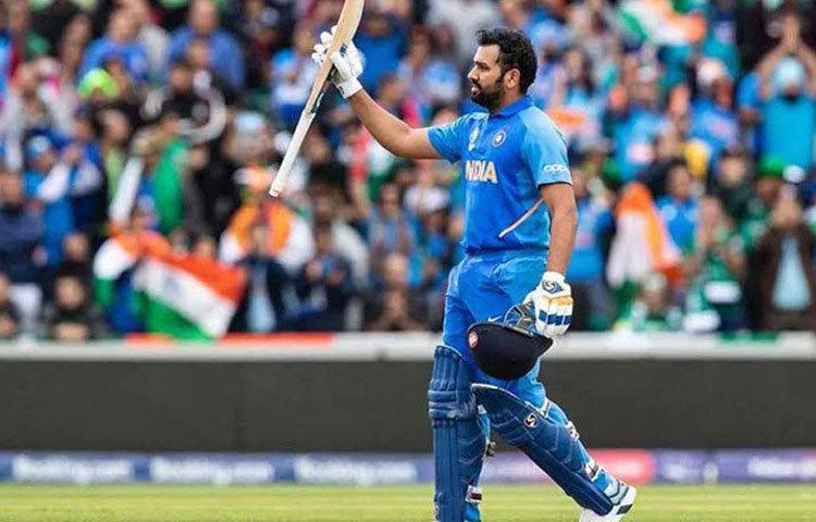 ইনি রোহিত শর্মা। এক দিনের ক্রিকেটের একটি ইনিংসে সর্বোচ্চ রানের রেকর্ড তার দখলে।