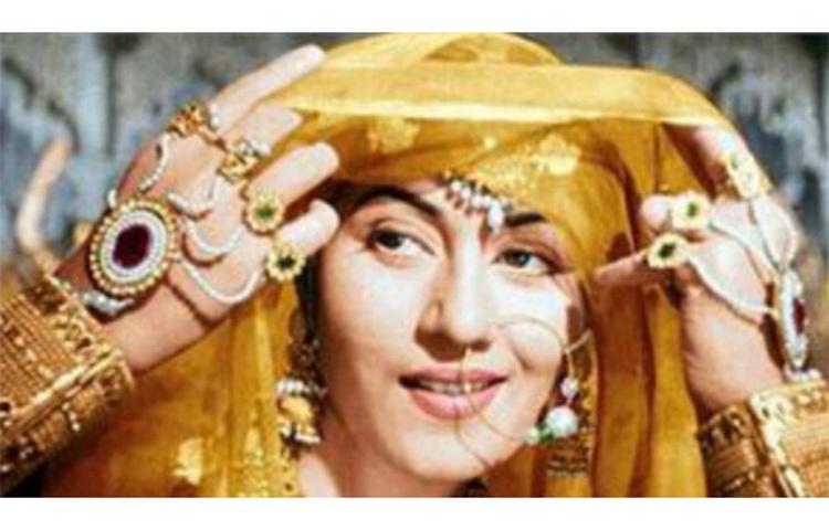 ১৯৬৯ সালের ২৩ ফেব্রুয়ারি পৃথিবী ছেড়ে চলে যান মধুবালা। ৫ দশকে শ্যুট হওয়া তার ছবি 'জওয়ালা' মুক্তি পায় তার মৃত্যুর ২ বছর পর ১৯৭১ সালের। ছবি: সংগৃহীত