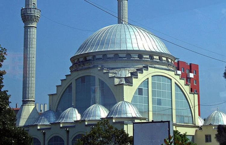 লিড মসজিদ: আলবেনিয়ার সাকোদার নগরীতে এই মসজিদটি অবস্থিত।