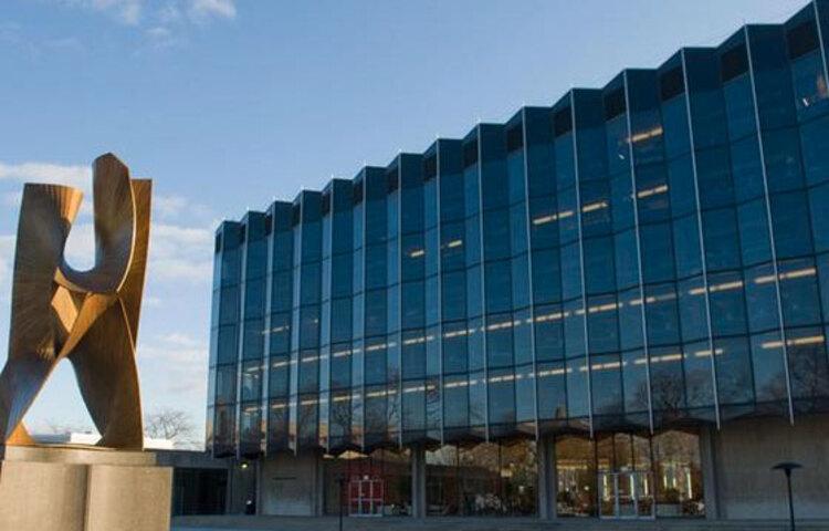 ইউনিভার্সিটি অফ শিকাগো: তালিকায় এই বিশ্ববিদ্যালয়েরও অবনতি হয়েছে। গতবার নয় নম্বরে থাকা বিশ্ববিদ্যালয়টি এবার আছে ১০ নম্বরে।