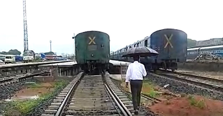 train-02