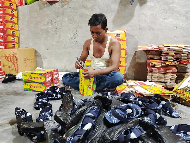B-baria-Footwear