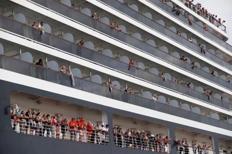 cruise-ship--1