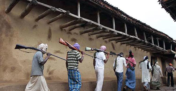 ভারতে বোমা মেরে সেতু উড়িয়ে দিলো মাওবাদীরা