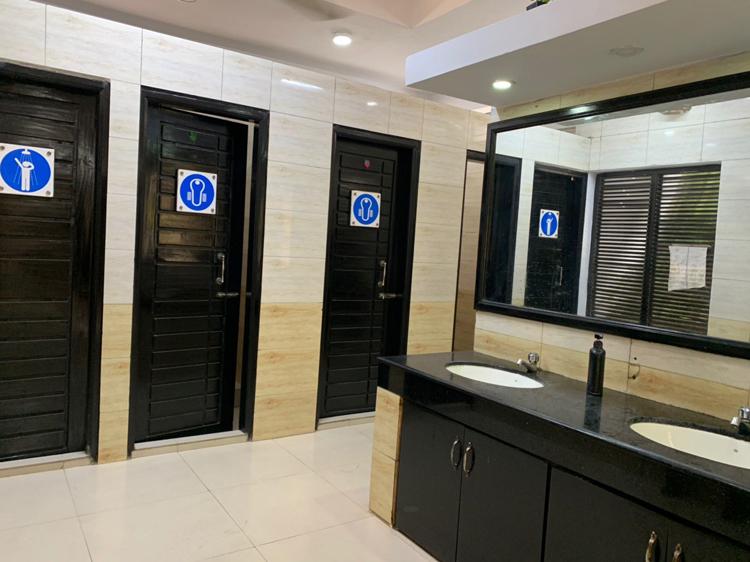 Public-Toilet