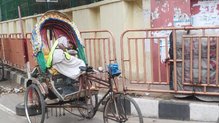 Rickshaw-puller-3