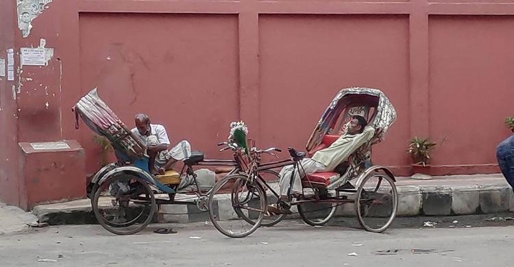 Rickshaw-puller-4