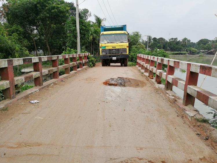 Road-Mirzapur-1