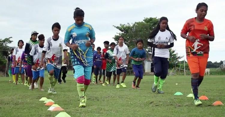 Sunamganj-woman-football-2