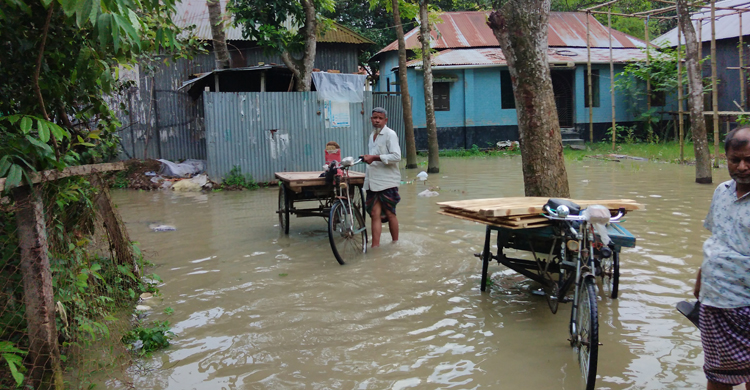 Tangail-Flood-pic02.jpg