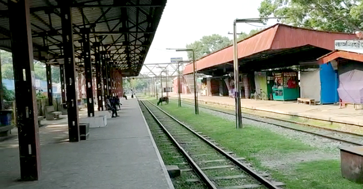 Train-(4).jpg