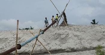 বালু সিন্ডিকেটের কাছে জিম্মি এলাকাবাসী