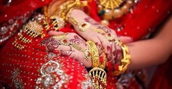 নকল গয়না দেয়ায় বিয়ের অনুষ্ঠানে মারামারি, তালাক-জরিমানা দিল বরপক্ষ