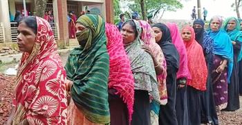 সুনামগঞ্জে ভোট কেন্দ্রে নারীর উপস্থিতি বেশি | ২১ জুন ২০২১