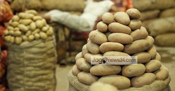 চট্টগ্রামে আলুর আড়তে অভিযান, দেড় লাখ টাকা জরিমানা