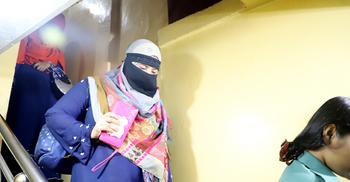 আবাসিক হোটেলে মেয়র আরিফের অভিযান, ১২ নারী-পুরুষ আটক