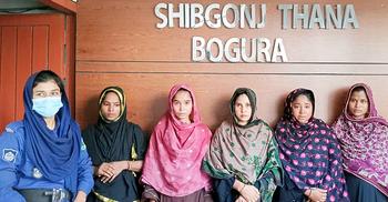 টিকা নেওয়ার লাইন থেকে স্বর্ণের চেন ছিনতাই, কারাগারে ৫ নারী