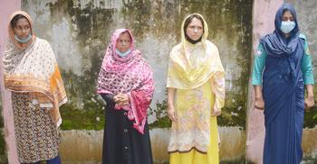 আম নিয়ে ফ্ল্যাটে গিয়ে তিন নারীর ফাঁদে ব্যবসায়ী