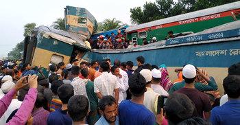 ৮ ঘণ্টা পর ঢাকা-চট্টগ্রাম ট্রেন চলাচল স্বাভাবিক