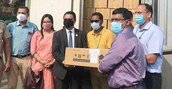 ভারতে ১০ হাজার ভায়াল প্রতিষেধক পাঠিয়েছে বাংলাদেশ