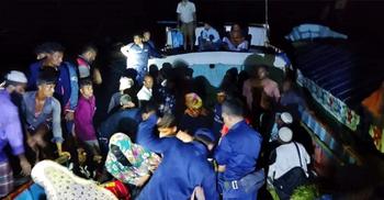 মেঘনায় ৬০ জন যাত্রী নিয়ে ভাসতে থাকা ট্রলারটি উদ্ধার