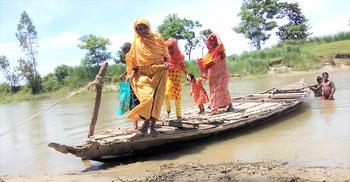 একটি সেতুর অপেক্ষায় দিনাজপুরের ১০ গ্রামের মানুষ