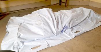 ঘরে স্ত্রীর ঝুলন্ত মরদেহ, সন্তান নিয়ে পলাতক স্বামী
