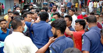 বগুড়ায় বিএনপির প্রতিনিধি সভায় হামলা-ভাঙচুর