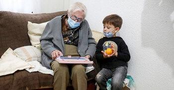 করোনা জয় করলেন ৯৯ বছরের বৃদ্ধা