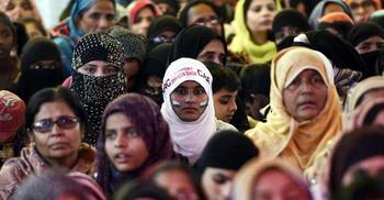 ভারতে নাগরিকত্বের আবেদনকারীকে ধর্মেরও প্রমাণ দিতে হবে