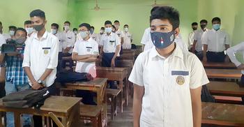 প্রাণ ফিরেছে চট্টগ্রামের শিক্ষাপ্রতিষ্ঠানে