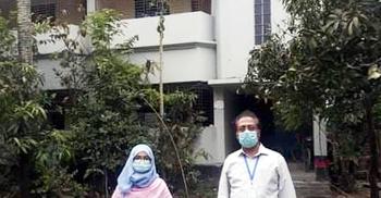 কুমিল্লায় জেলা পরিষদ সদস্যের বাড়ি লকডাউন