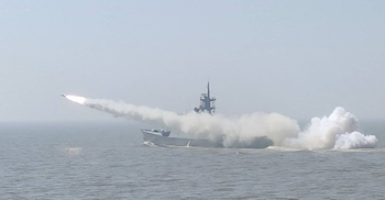 নৌবাহিনীর বার্ষিক মহড়ায় সফল মিসাইল উৎক্ষেপণ