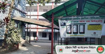 চসিক নির্বাচন : কেন্দ্রে যাচ্ছে সরঞ্জামাদি, প্রস্তুত হচ্ছে বুথ