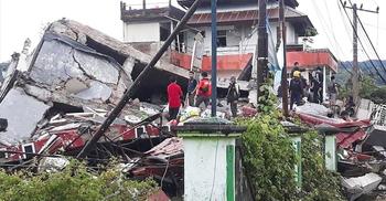 ইন্দোনেশিয়ায় ভূমিকম্পে নিহত ৭, ধসে পড়েছে শতাধিক ভবন