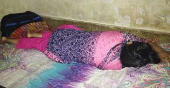 ভালোবাসা দিবসে স্কুলছাত্রীকে তিন বন্ধু মিলে রাতভর ধর্ষণ