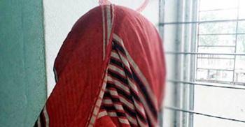 মায়ের হাত ধরে নিয়ে ধর্ষককে চিনিয়ে দিল বাক প্রতিবন্ধী কিশোরী