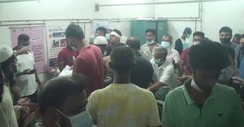 গোপালগঞ্জে দুই গ্রুপের সংঘর্ষে ৫ পুলিশসহ আহত ৪০