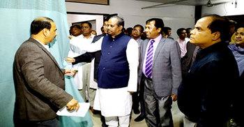 পর্দা কেলেঙ্কারি : ফরিদপুর মেডিকেলে সংসদীয় কমিটি
