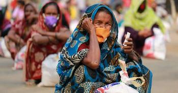 করোনায় দেশের ৮৭ শতাংশ গরিব মানুষ খাদ্য-পুষ্টির সঙ্কটে