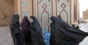 আফগান নারীবিষয়ক মন্ত্রণালয়ে নারীদেরই ঢোকা বন্ধ