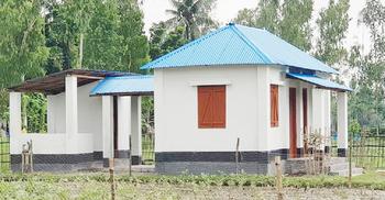 দুর্যোগ সহনীয় ঘরে বসছে সোলার হোম সিস্টেম