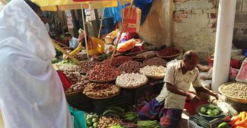রাজশাহীর বাজারে আলুর গরম