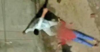 যৌন নির্যাতন মামলা তুলে না নেয়ায় কিশোরীর মাকে পিটিয়ে মারল আসামিরা