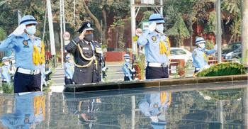 শিখা অনির্বাণে ভারতীয় বিমান বাহিনী প্রধানের শ্রদ্ধা