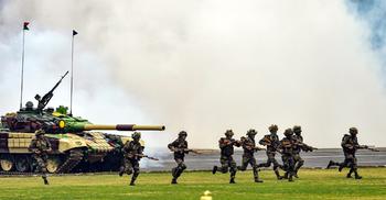 টানা ৪০ দিন যুদ্ধ করার অস্ত্র মজুত করছে ভারত