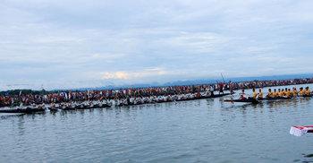 করোনা উপেক্ষা করে জৈন্তাপুরে নৌকা বাইচ, হাজারো মানুষের ঢল