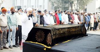 জাতীয় প্রেসক্লাবে সৈয়দ আবুল মকসুদের জানাজা