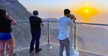 সর্বোচ্চ পর্বত জেবেল জাইসে একদিন