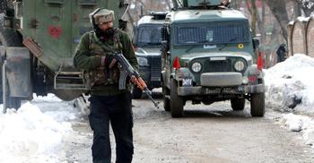 নিরাপত্তা বাহিনীর গুলিতে ৩ কাশ্মীরি নিহত
